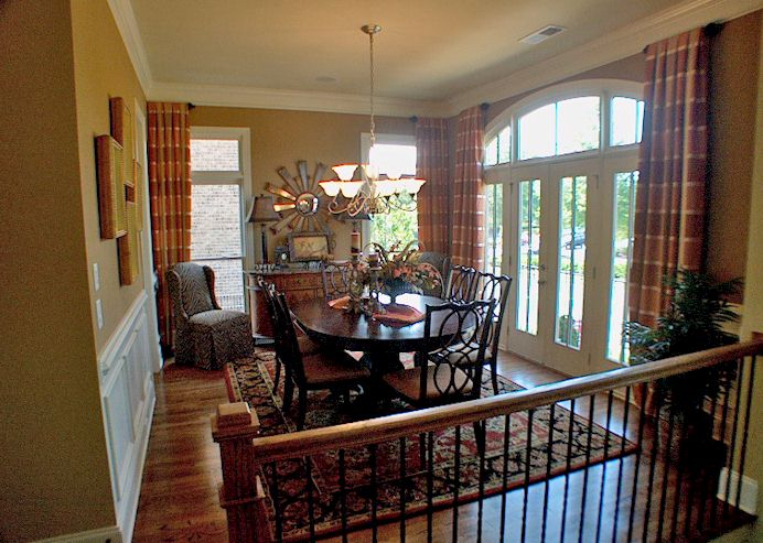 Separate Dining Room. 10 Foot Ceilings On Main.